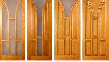 Покриваємо лаком двері